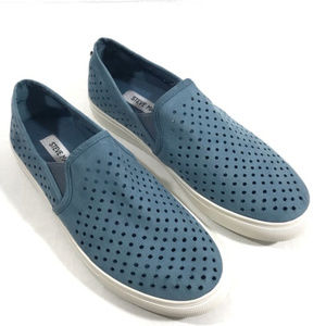 Steve Madden Owen Blue Slip On Sneakers size 9.5M